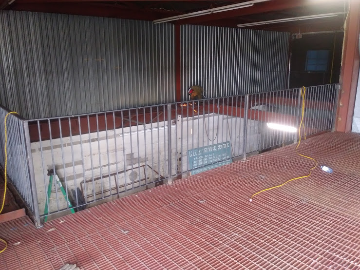 Welded and Installed Steel Railing for Mezzanine